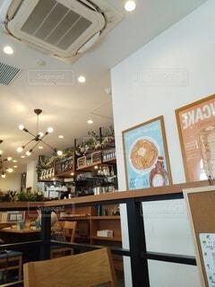 屋内,テーブル,メニュー,オシャレ,棚,ボトル,家具,レストラン,cafe,lunch,テキスト,オシャレ空間