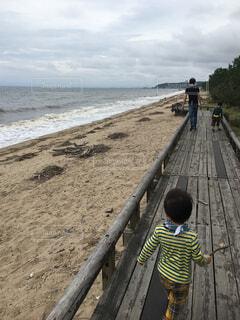 自然,風景,海,空,屋外,砂,ビーチ,水面,人物,人,幼児,少年,男の子