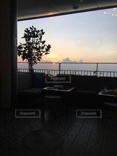 空,屋内,景色,椅子,テーブル,朝焼け,シンガポール,家具,朝,コーヒー テーブル