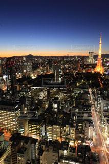 夜の街の眺めの写真・画像素材[2723241]