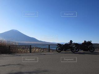 空,屋外,道路,山,オートバイ,車両,ホイール,陸上車両