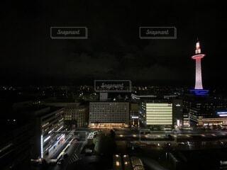 京都駅からの京都タワーの写真・画像素材[4065434]