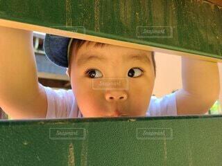 子ども,風景,緑,帽子,人物,人,赤ちゃん,幼児,少年,人間の顔