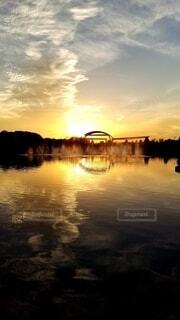自然,空,公園,夕日,屋外,太陽,雲,水面,池,噴水