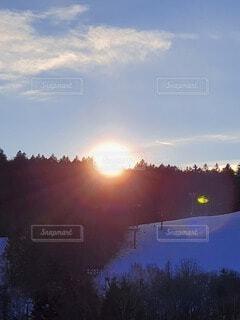 自然,風景,空,花,屋外,太陽,雲,山,草,樹木,日の出,草木,1日のはじまり
