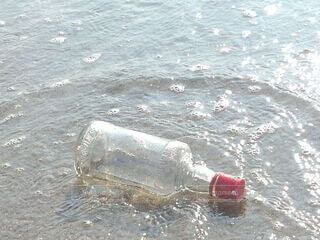 海,屋外,水面,ボトル,ソフトド リンク