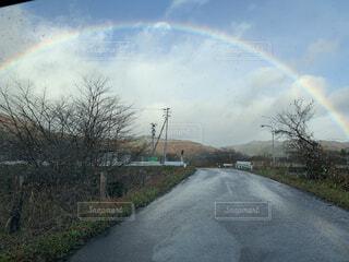 自然,空,屋外,きれい,綺麗,虹,道路,草,樹木,キレイ