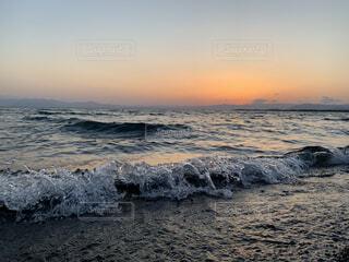 自然,海,空,夕日,屋外,湖,ビーチ,雲,砂浜,夕焼け,夕暮れ,水面