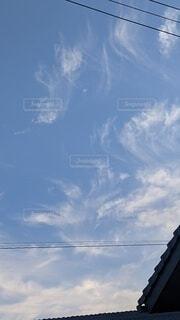 空,屋外,雲,青,電線,模様,雰囲気,日中