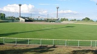 空,夏,屋外,草,フェンス,サッカー,野球,スタジアム,球場,遊び場,野球場,日中,ファーム