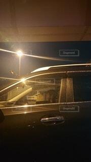 空,夜,車,人物,夜道,明るい,運転