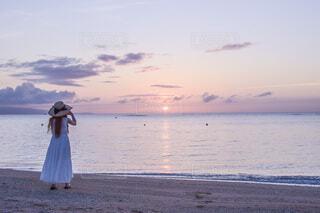 夕暮れの海の写真・画像素材[4656663]