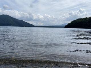自然,空,屋外,湖,森,ビーチ,雲,水面,山,景色,樹木,景観