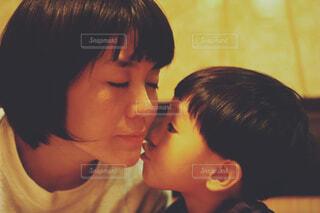 屋内,少女,キス,人物,人,赤ちゃん,顔,愛,幼児,探す
