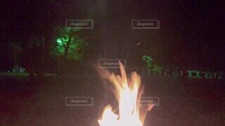 アウトドア,冬,焼き芋,キャンプ,薪,テント,焚き火,BBQ,camp,薪割り