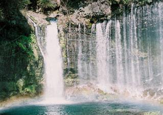 自然,屋外,湖,虹,水面,景色,滝,観光,大自然,樹木,マイナスイオン,白糸の滝