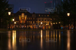 東京駅の夜の写真・画像素材[4543335]