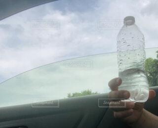 曇り空でも 水分補給‼︎の写真・画像素材[4621363]