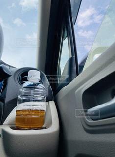 これからの暑さ、車内でも 換気と水分補給 忘れずに‼︎の写真・画像素材[4635290]