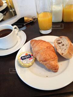 パリの朝食。の写真・画像素材[4524493]