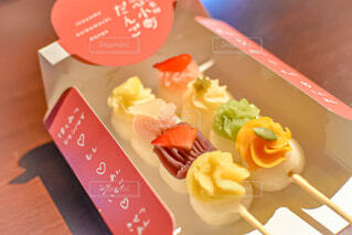 愛知県の昭和横丁名物の恋小町だんごの写真・画像素材[4560312]