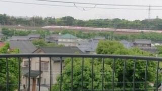 我が家から見れるハローキティ新幹線の写真・画像素材[4549708]