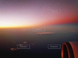 夜と朝のさかい目の写真・画像素材[4549052]