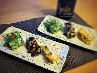夏の食材を使って3種のテリーヌに挑戦の写真・画像素材[4656546]