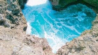 ハート岩(水色フォト)の写真・画像素材[4838531]