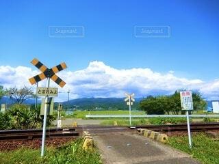 道路の脇の標識の写真・画像素材[4698774]