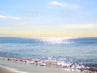 夕暮れの海岸の写真・画像素材[4698777]