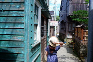 真夏の路地裏散歩の写真・画像素材[4750430]