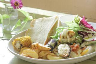 ランチ,野菜,フォカッチャ,ランチプレート,アドマーニ北本
