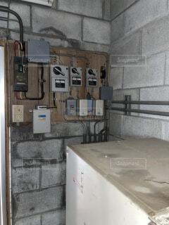 建物内の分電盤スイッチ類の写真・画像素材[4529863]