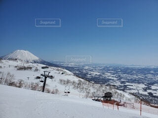雪とスキー場の写真・画像素材[4529497]