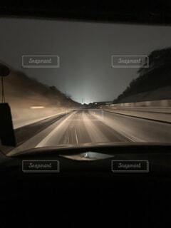 高速道路走行中の写真・画像素材[4530683]