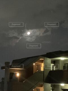 自然,風景,空,家,月,天井,明るい,夜、窓、高層ビル、マンション、十五夜