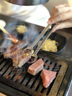食事,肉,焼肉,和牛,ステーキ,サーロイン,夏バテ,熱中症対策