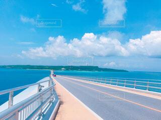 島と島を繋げる大きな橋の写真・画像素材[4543016]