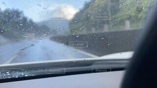 空,雨,雪,車,窓,水滴,道路,水面,反射,梅雨,ミラー,ドライブ,天気,車両,ワイパー,大雨,フロントガラス,自動車部品