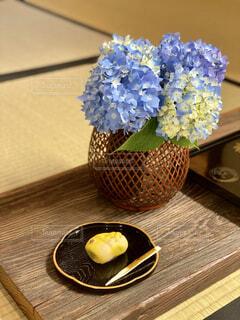 屋内,花瓶,テーブル,果物,木目
