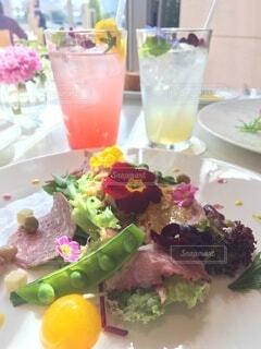 食卓の上の食べ物の写真・画像素材[4771383]