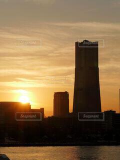 横浜から見る夕焼けの写真・画像素材[4851070]