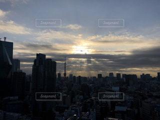 空,東京タワー,東京,太陽,TOKYO,光,タワー,都会,高層ビル,天使の梯子,天使のはしご,tokyotower
