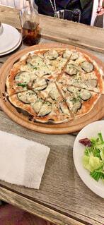 食べ物,ランチ,ディナー,テーブル,皿,サラダ,PIZZA,ファストフード