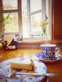 カフェ,コーヒー,青,窓,風,喫茶店,コーヒーカップ,チーズケーキ