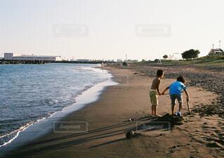 自然,海,空,屋外,ビーチ,砂浜,海岸,子供,人物,人,フィルムカメラ