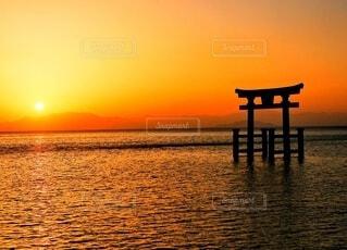 朝日,水面,朝焼け,日の出,早朝,琵琶湖,白髭神社
