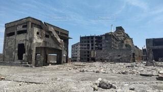 空,建物,屋外,雲,家,古い,地面,解体,建設,放棄,破滅