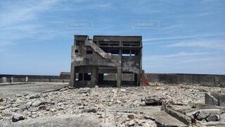 空,建物,屋外,雲,岩,地面,廃墟,解体,建設,瓦礫,放棄,破滅